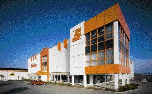 Chronik - Möbel Schulze im Jahr 1990 - Eröffnung Schulze-Einrichtungshaus in Ilmenau