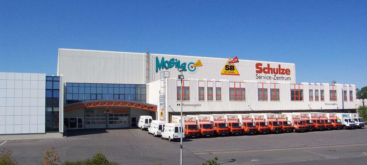 Chronik - Möbel Schulze im Jahr 1999 - neuer Fuhrpark mit 15 LKW