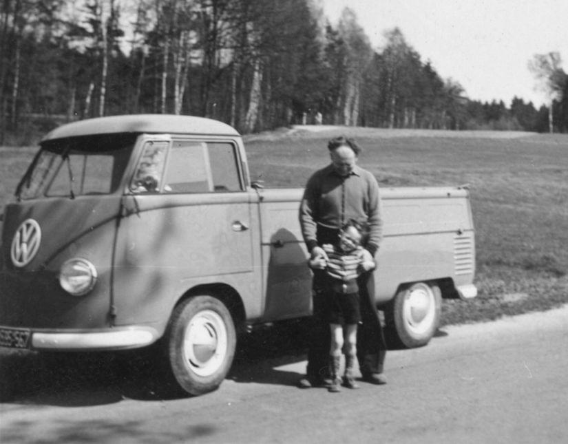 Chronik - Möbel Schulze - erstes VW-Transportfahrzeug im Jahr 1954