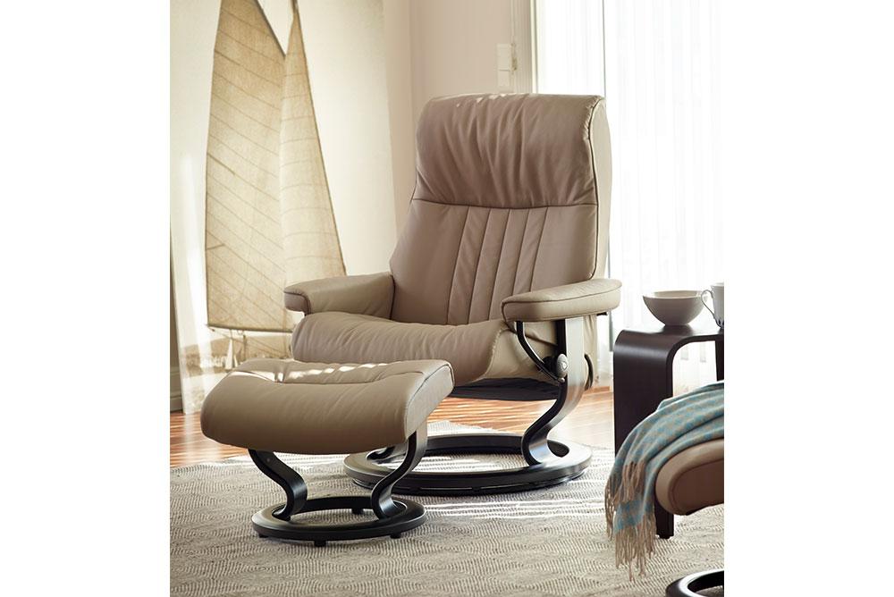 Stressless® Relax Ledersessel beige mit Hocker