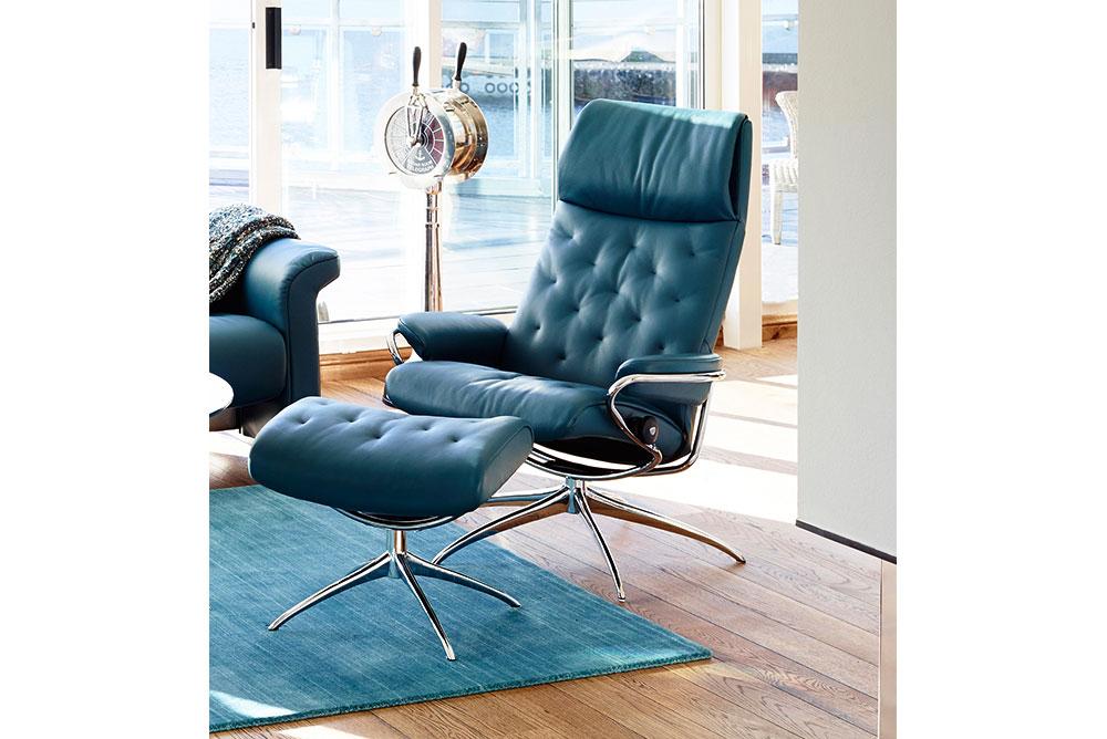 Stressless® Relax Ledersessel blau mit Hocker