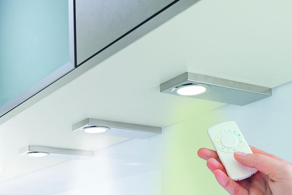 LED-Unterbodenleuchte ohne sichtbare LED-Punkte mit Farbwechsler