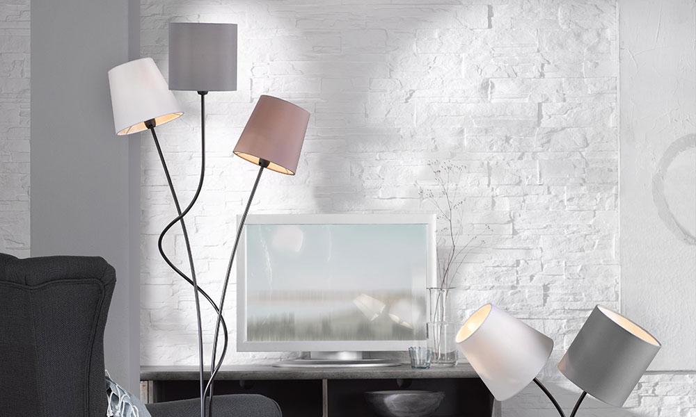 Stehlampe mit bunten Schirmen | Möbel Schulze