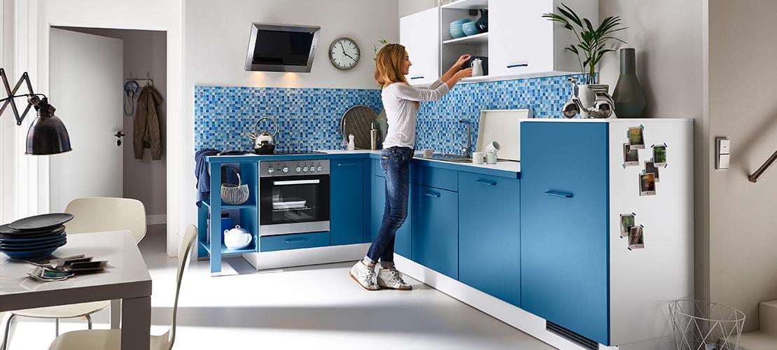 Küchenzeile mit blauer Front - Mobile Rödental