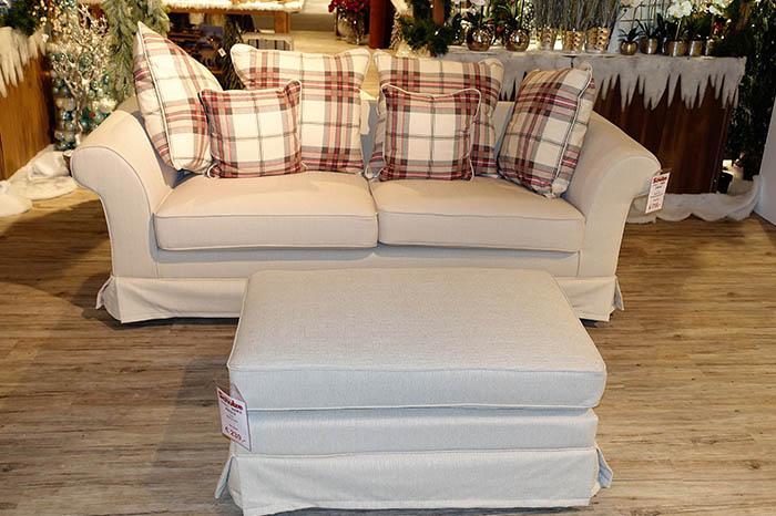 Weißes Sofa mit Hocker | Einrichtungshaus Schulze Rödental