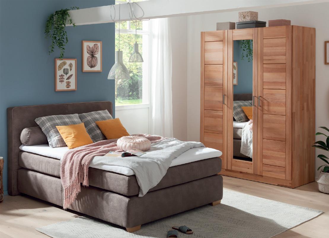 Schlafzimmer   Boxspringbett und Drehtürenschrank   Möbel Schulze