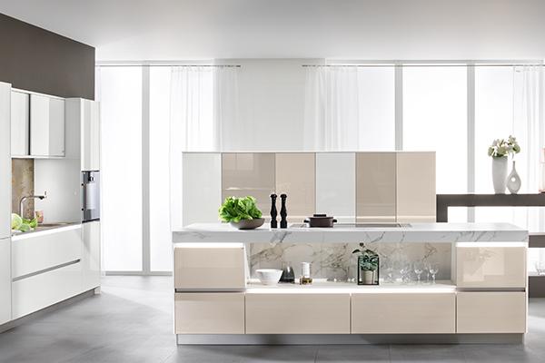 Avantgarde-Küche in Smartglas